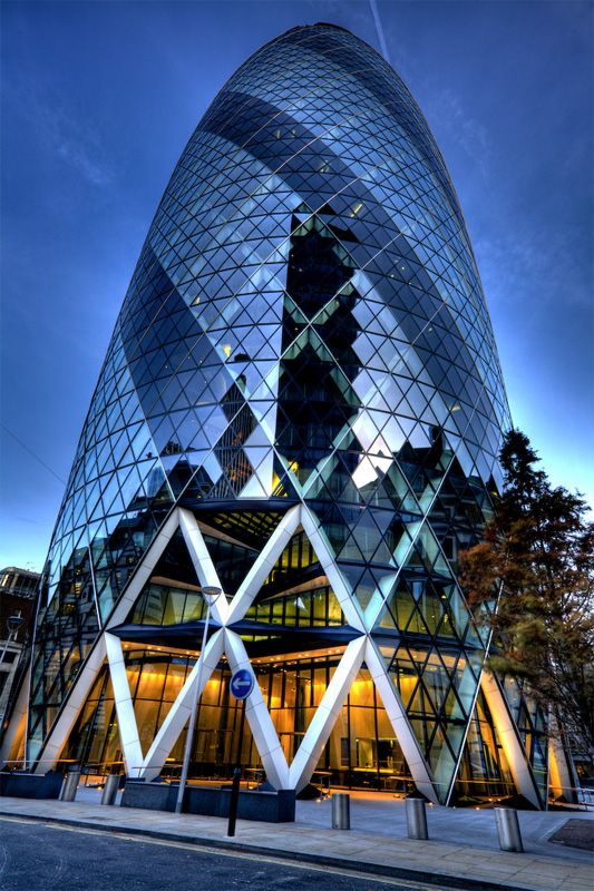 Gherkin - London Liverpool St. Sir Norman Foster an Arup Engineers