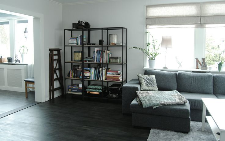 ikea 39 s vittsj bookcase turned into a industrial one. Black Bedroom Furniture Sets. Home Design Ideas