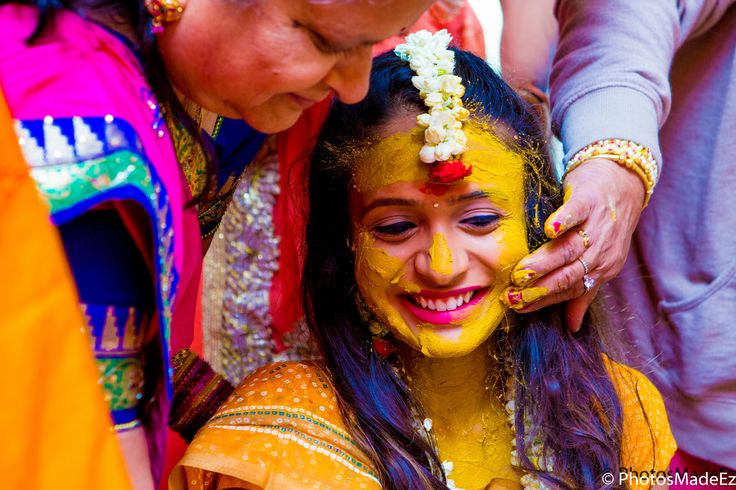 Haldi - Greha Shanti - Pitti for Gujarati Bride for Indian Wedding at Westmount Country Club.  Best Wedding Photographer PhotosMadeEz . Award Winning Photographer Mou Mukherjee Candid Photo #nishali2016