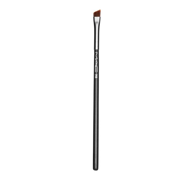 #266 Small Angle Brush. An angled brush for creating sharp, precise lines.