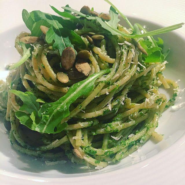 Kuchnia raz! : Pesto z rukoli i pestek dyni