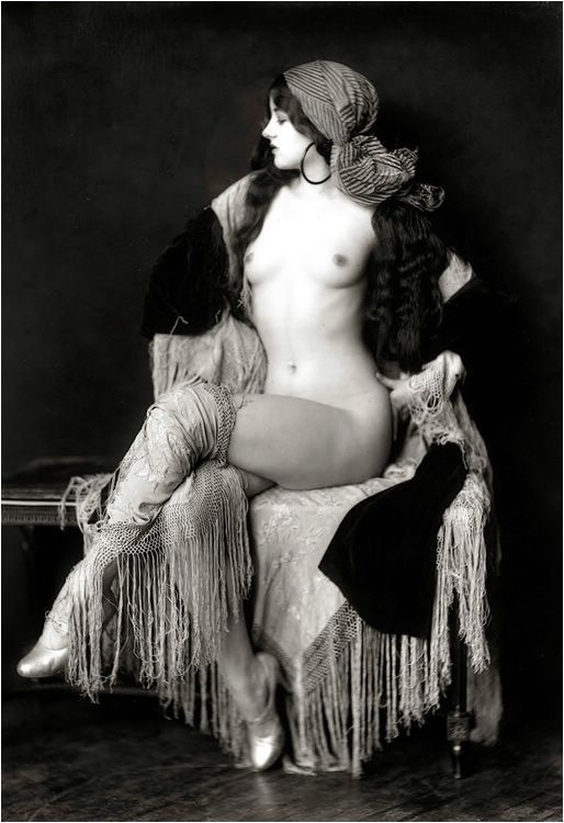 Virginia Biddle. Photo by  Alfred Cheney Johnston, 1920.