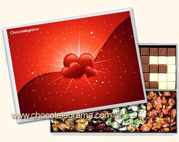 CHOCOTELEGRAMA DISEÑO CORAZÓN Con mensaje de 70 chocolatitos, más variedad de Butter Toffees más 5 Bon o Bon.