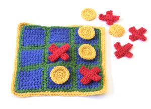 This fun crochet tic-tac-toe game set is the perfect travel entertainment.