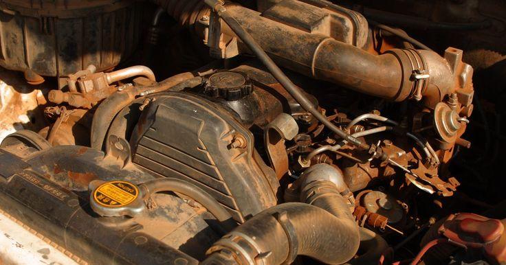 """Especificações dos motores Perkins 4.236. O Perkins 4.236 é um grande e pesado motor de quatro litros. Informações sobre o motor podem ser tiradas do seu próprio nome. O """"4"""" no título refere-se ao número de cilindros e a falta de um """"V"""" descreve uma disposição linear em quatro. O """"236"""" no nome refere-se ao deslocamento total do pistão do motor em centímetros cúbicos."""