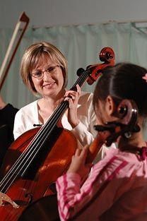 Cellist Leah Wyber (Medicine Hat native) leads a cello masterclass in her alma mater, the Medicine Hat College Conservatory