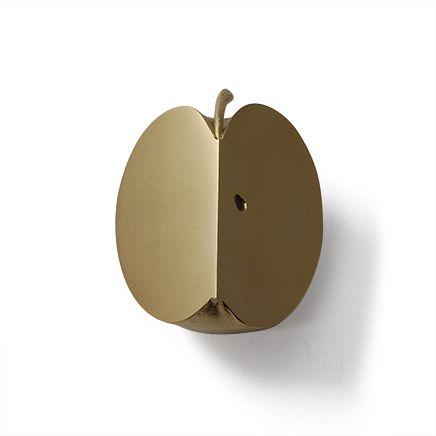 cut piece りんごの文鎮
