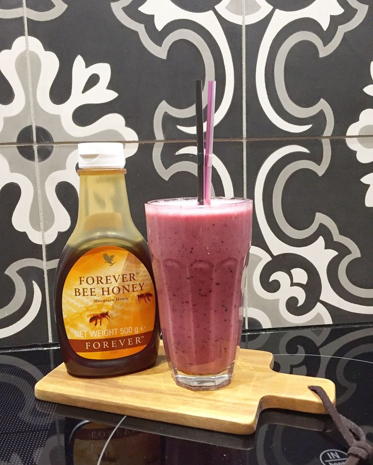 Smoothie with Forever bee honey ✌🏻 #foreverbluedoor