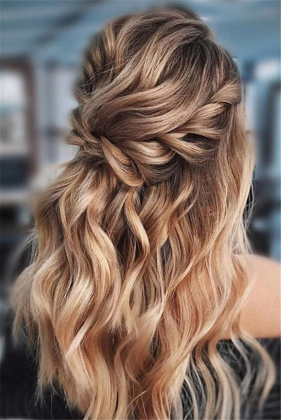 28 Captivating Half Up Half Down Wedding Hairstyles Wedding Hairstyle With Braids Short Hair Me Glamorous Wedding Hair Wedding Hair Trends Wedding Hair Half