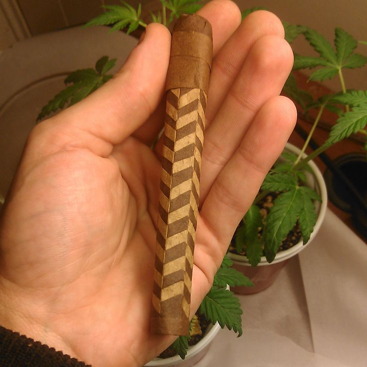 This is a woven blunt. The process for weaving blunts was first brought to light by @QJRFM on instagram.