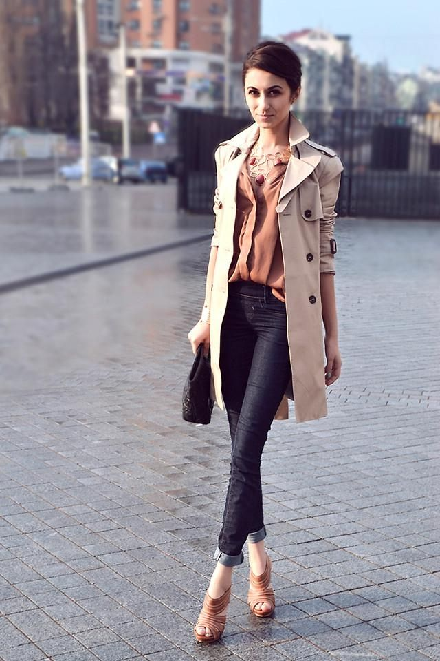 Shop this look on Kaleidoscope (trenchcoat, shirt, jeans, sandals, necklace)  http://kalei.do/WIZn5Vex7aF3iB5uFashion, Casual Friday, Brown Sugar, Skinny Jeans, Blouse, Style, Classic Trench, Work Outfit, Trench Coats