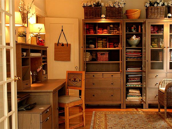 This is how to use IkeaDesks Area, Small Room, Little Crafts, Offices Spaces, Offices Ideas, Crafts Studios, Offices Crafts Room, Craft Rooms, Country Crafts