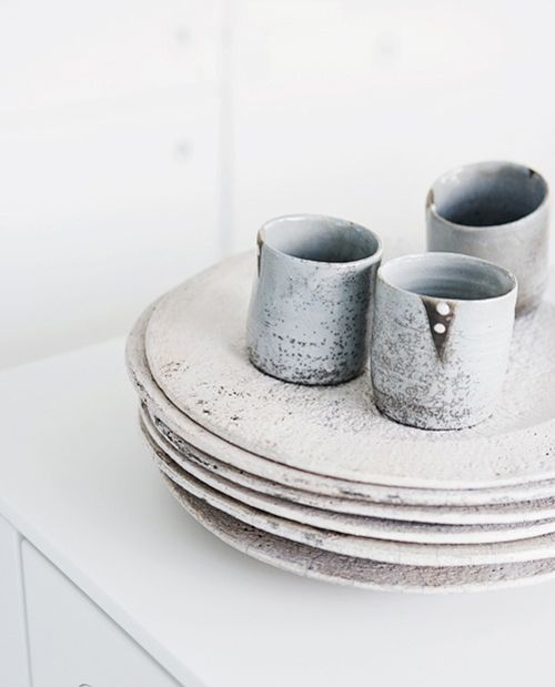 love the beautiful subtlety of the glaze both in colour and texture.