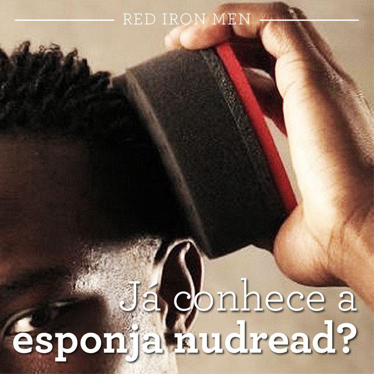 Os cabelos encaracolados são tendência nas barbearias. Mas, para alcançar cachos bem formados e um visual incrível, a esponja nudreads é uma ótima aliada. Ela é a garantia de um cabelo perfeitamente enrolado em poucos minutos. #redironmen #haircuts #hair #hairstyle #barbershop #barbeariabrasil #Barbershopconnect #beardtrend #haircuttrend