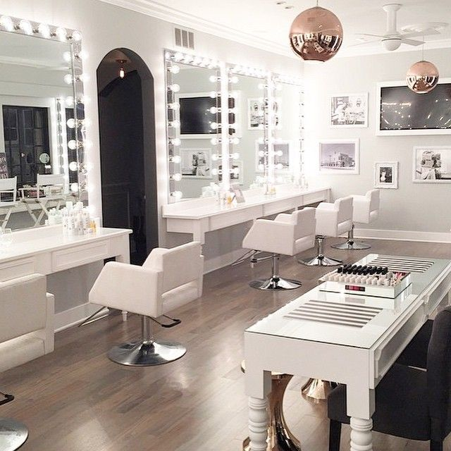 901too salon designed by Amber Lancaster of Lancaster Interiors