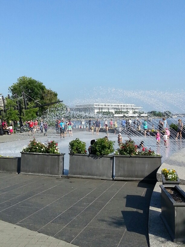 waterfront fountain with Kennedy Center in