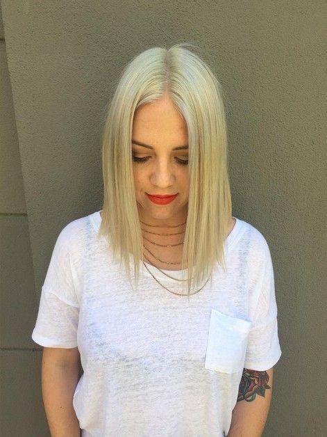 Una línea de peinados son positivamente elegante . Con ángulos elegantes y un corte más largo, no hay realmente no es de extrañar por qué estos bob cortes de pelo son tan populares entre los women de todas las edades . Aquí encontrará una colección de los TOP una línea peinados hay que probar. Platinum …