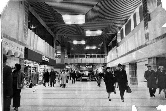 Broadmarsh Centre 1975. I've always loved Broadmarsh. I like Victoria Centre well enough but Broadmarsh is special.
