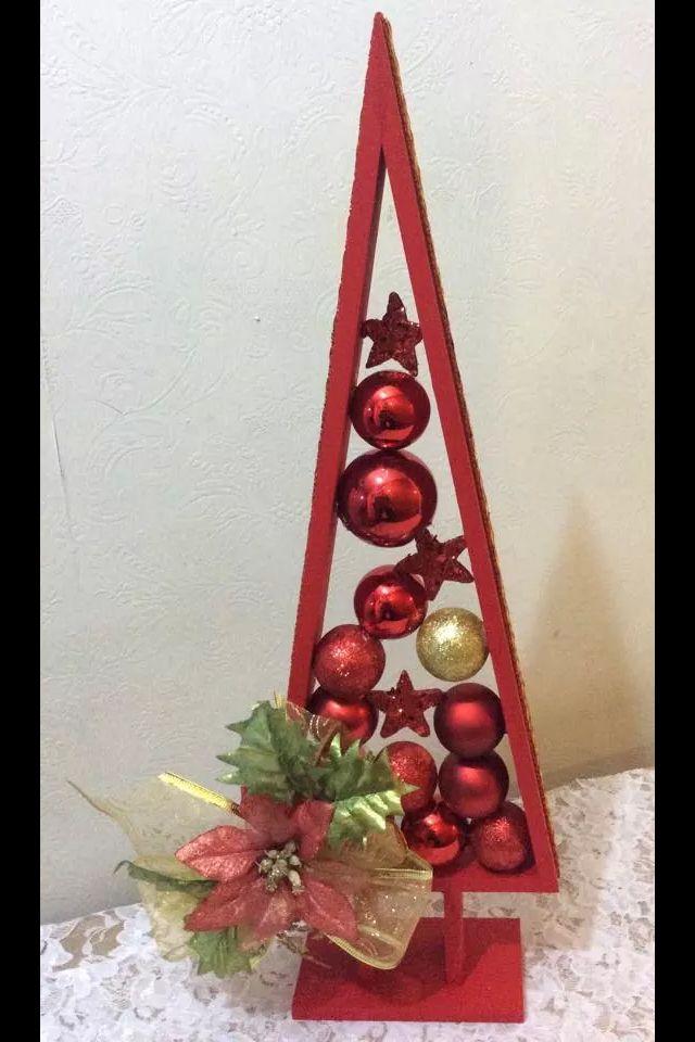 Arbol de navidad, madera y esferas