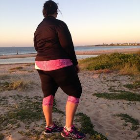 Stunning Autumn morning's & sunrises are the best! Lisa in Serpentine Pink taking it all in... Feel good, look great - activewear sizes 16-26 Made & designed in Australia www,blitzactive.com.au #blitzactive #blitzactivewear #plussizeactivewear #plussizefashion #positivebodyimage #plussizeworkout #plussizeathletes