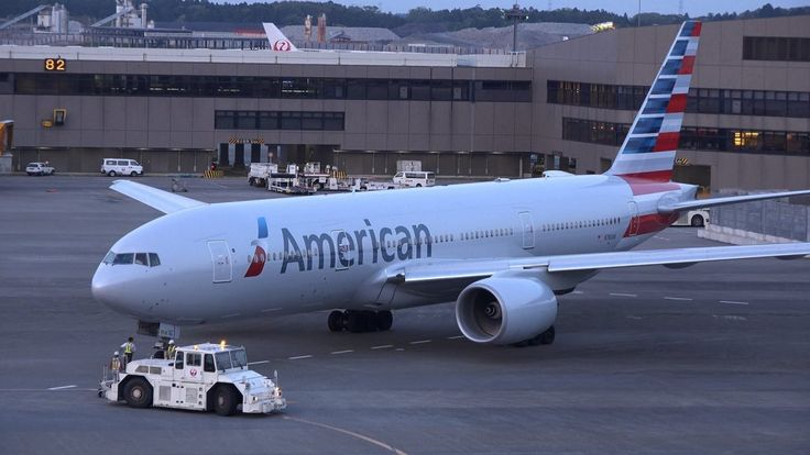 American Airlines Boeing 777 200er N780an Pushback Photos American Airlines Boeing 777 Boeing