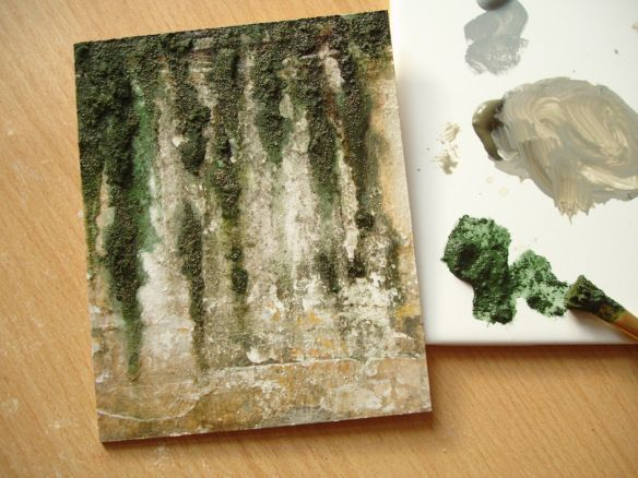 wall sample with moss made with sand, white glue and green acrylic paint good effect
