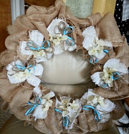 Burlap wreath for wedding