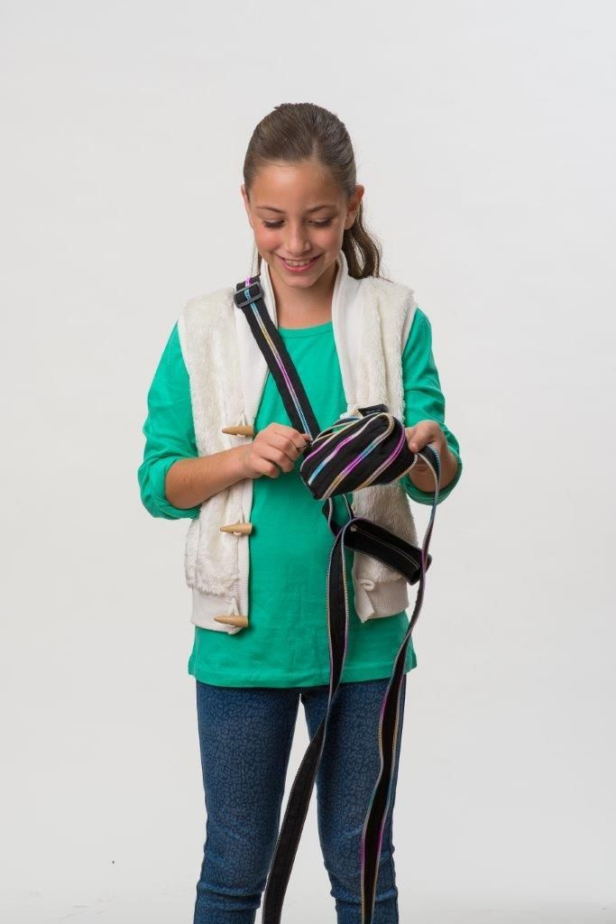 The perfect gift for a pre-teen, a bag she can zip and unzip to her hearts content! The mini-shoulder bag is just her size.