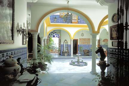 courtyards in spain | images of spain courtyard seville order picture of spain last image ...