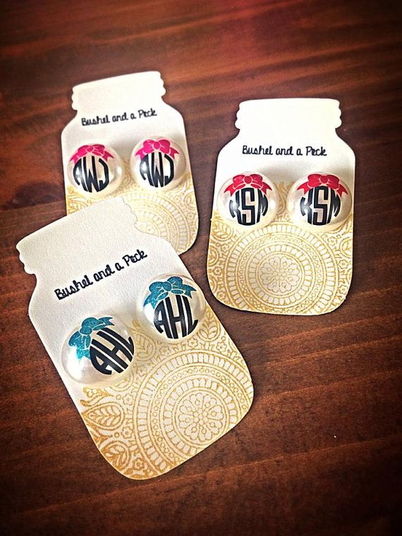 These monogram earrings are classy and timeless. Monogrammed earrings go perfect with any outfit and any time of day! Everyone loves personalized jewelry, so these make a great gift for Christmas, weddings, birthdays, girlfriends, teachers, or just because! Do you know someone who would love these beauties? (scheduled via http://www.tailwindapp.com?utm_source=pinterest&utm_medium=twpin&utm_content=post25473702&utm_campaign=scheduler_attribution)