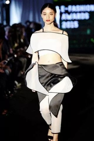 LVMH Prize Graduates, Karen Topacio, former IFA Paris student, won the E-Fashion Awards 2015. Impressive talent! #IFAParis