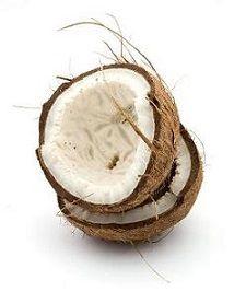 Proprietà e benefici della noce di cocco dell'olio e del latte che non va confuso con l'acqua che si trova naturalmente all'interno della noce di cocco.
