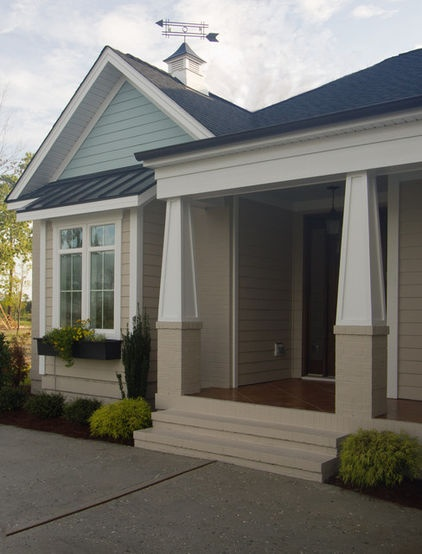 Craftsman-style pillars...I'm crazy for craftsman style!