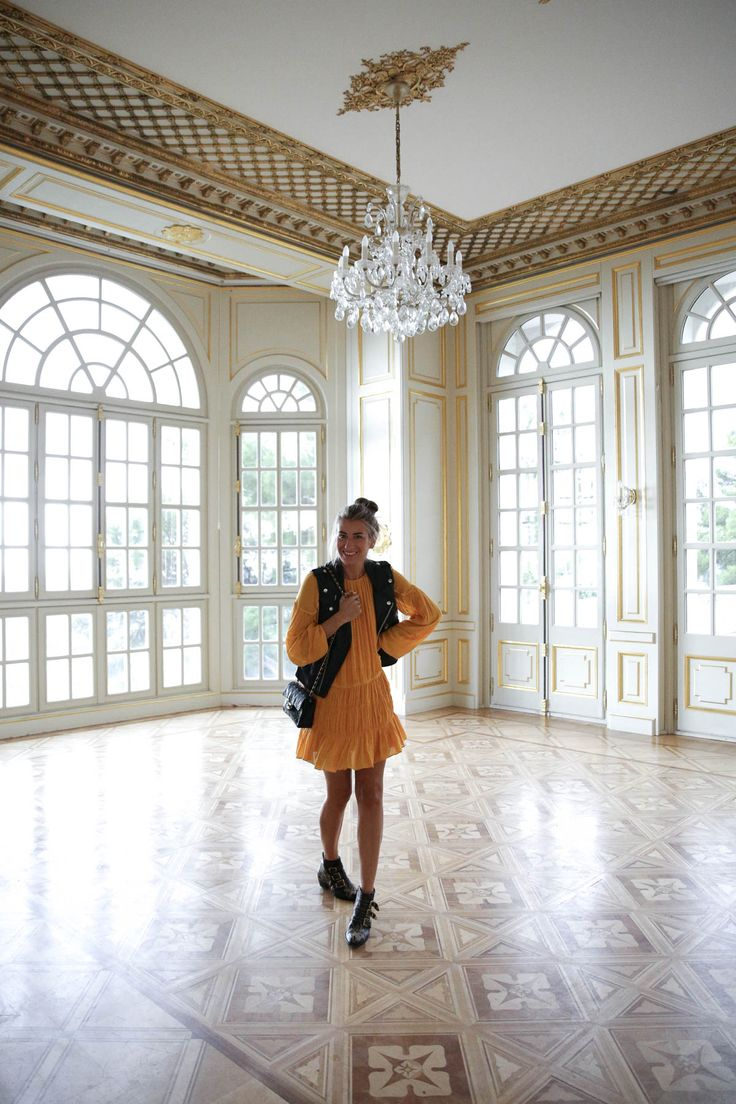 blogger-blog-bartabac-streetstyle-zara-dress-yellow-perfecto-waistcoat-chloe-boots-chanel-bag-niza-nice-france-chateau-castillo