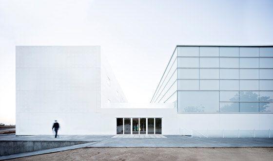 Multi-sport Pavilion And Classroom Complex by Alberto Campo Baeza | Sports facilities