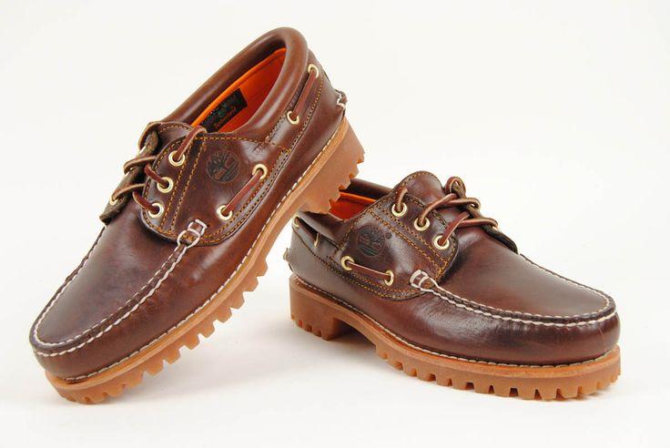 Zapato náutico de piel marrón