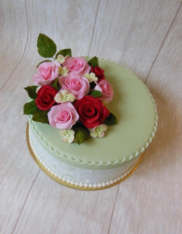 Simple+flower+cake+-+Cake+by+Novanka