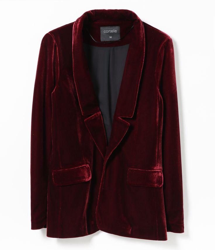 Blazer Veludo   Alongado  Com Bolsos  Fechamento com botão  Com forro  Tecido: Veludo  Marca: Cortelle      COLEÇÃO INVERNO 2017     Veja outras opções de    blazer feminino.