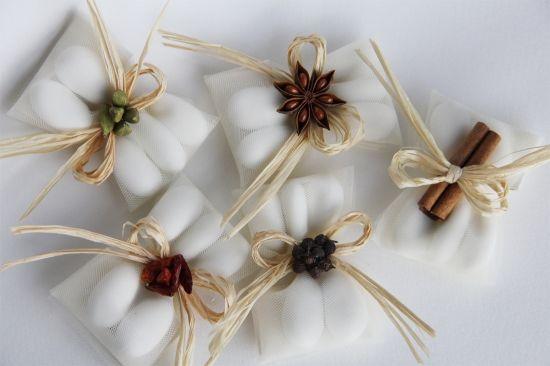 Segnaposto accessori floreale, vintage, primaverile, autunnale, invernale, country, confetti: la speziata