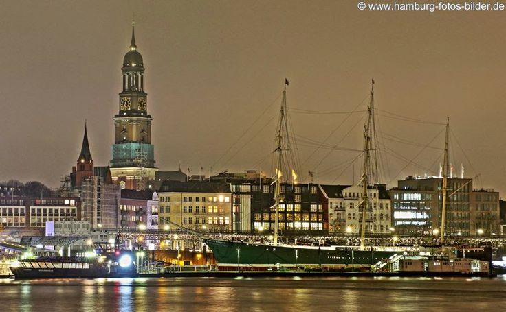 Hamburg bei Nacht ... http://www.hamburg-fotos-bilder.de