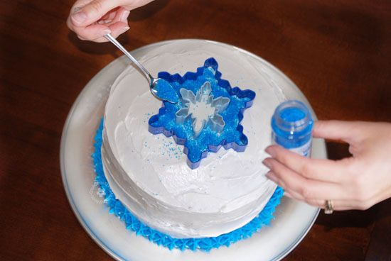 Easiest Ever Disney Frozen Birthday Cake! {OneCreativeMommy.com} Process Step 3 #frozenpartyideas