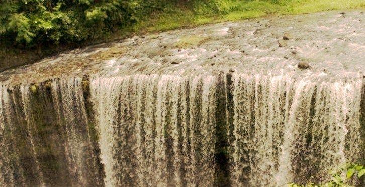 Air Terjun Temam : Jika anda penikmat wisata alam, maka inilah salah satu wisata air terjun yang memiliki daya pikat luar biasa. Air Terjun Temam begitulah keindahan alam itu dinamai, merupakan salah satu obyek wisat…