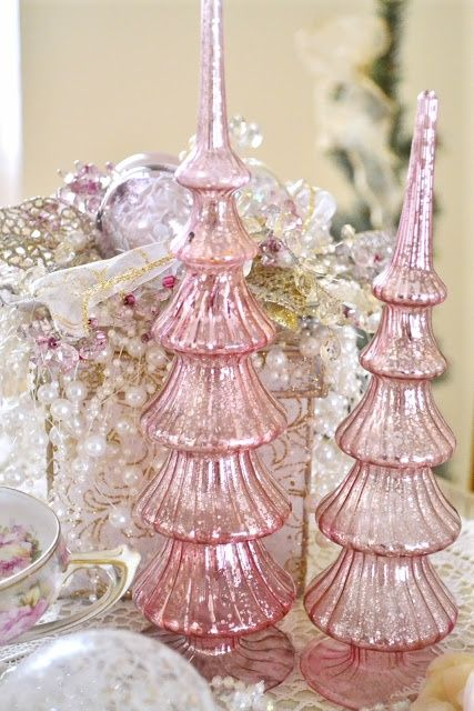 pink mercury glass ❤Vintage Christmas Trees, Mercury Glasses, Trees Toppers, Pink Mercury, Pink Christmas, Shabby Chic Christmas, Ribbon Rose, Ribbons Rose, Christmas Decor