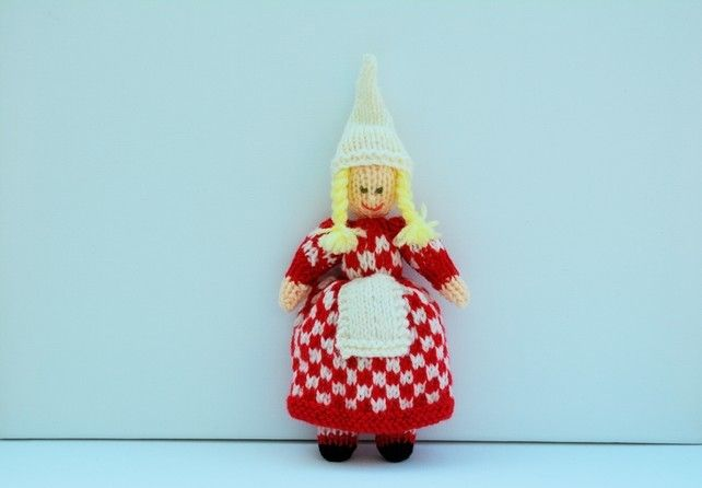Chequered Christmas Elf - Knitting Pattern - PDF E-mail £2.60