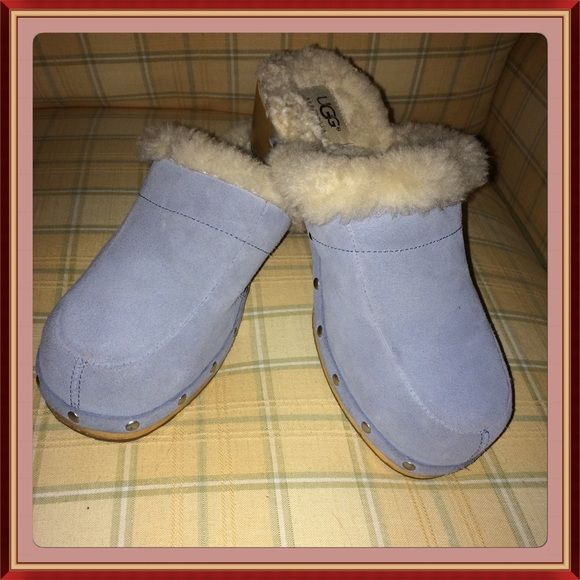 CYBER Week Amazing Gently Used UGG CLOGS Beautiful Ugg Clogs in a gorgeous powder blue in very very good condition you'll love these UGG Shoes Mules & Clogs