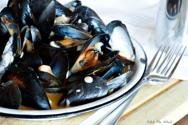 Coconut Curry Mussels [ditch the wheat] | recipes | Pinterest