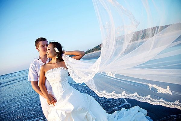10 picture-perfect wedding poses and candids