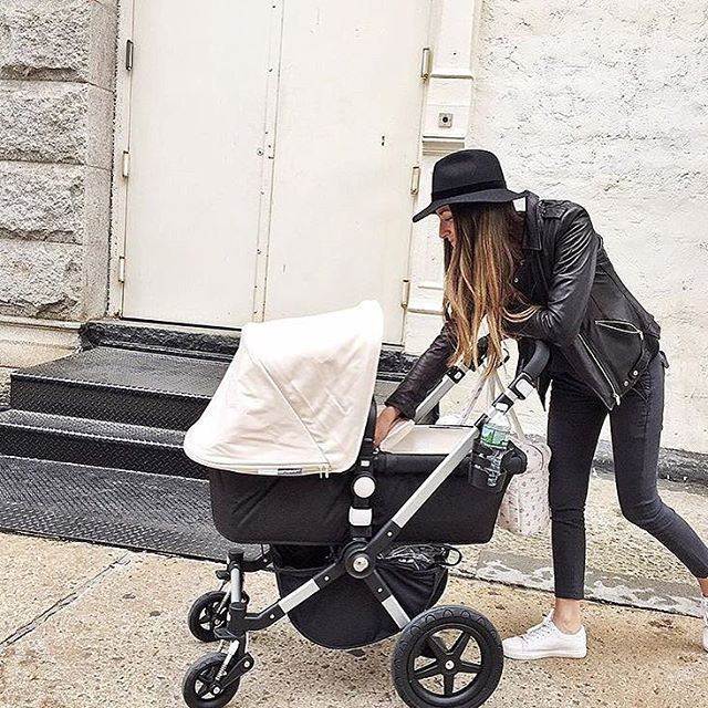 Starting the week in style! We love how @somethingnavy has matched her outfit to her black and white Bugaboo Cameleon³ ⚪️⚫️ Did you know that you can purchase Tailored Fabric Sets separately to customise your stroller? #bugaboo #bugaboocameleon #bugabootheone #photooftheday