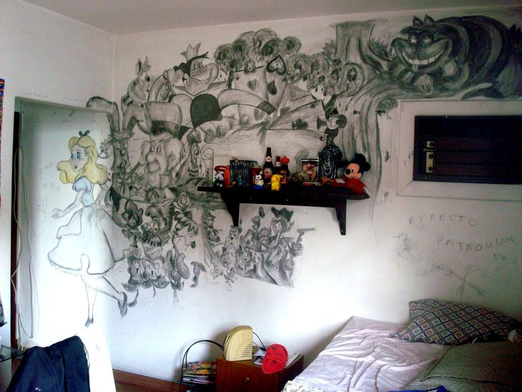Alice in Wonderland - #bedroom #graffite #Disney # art