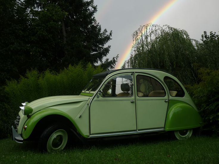 somewhere over the rainbow waits a 2cv